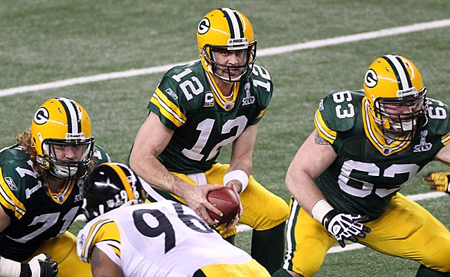 Aaron Rodgers fears knee injury will get worse